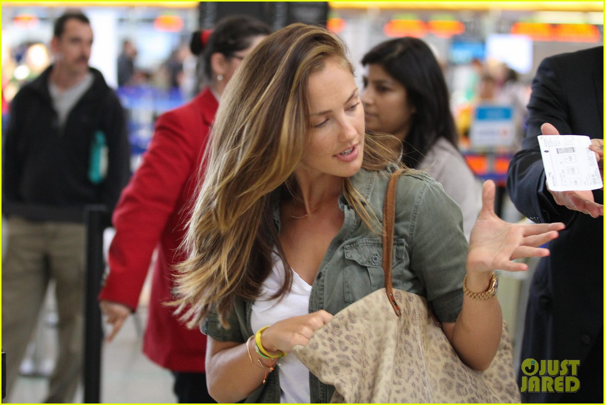 minka kelly lax parking ticket 11