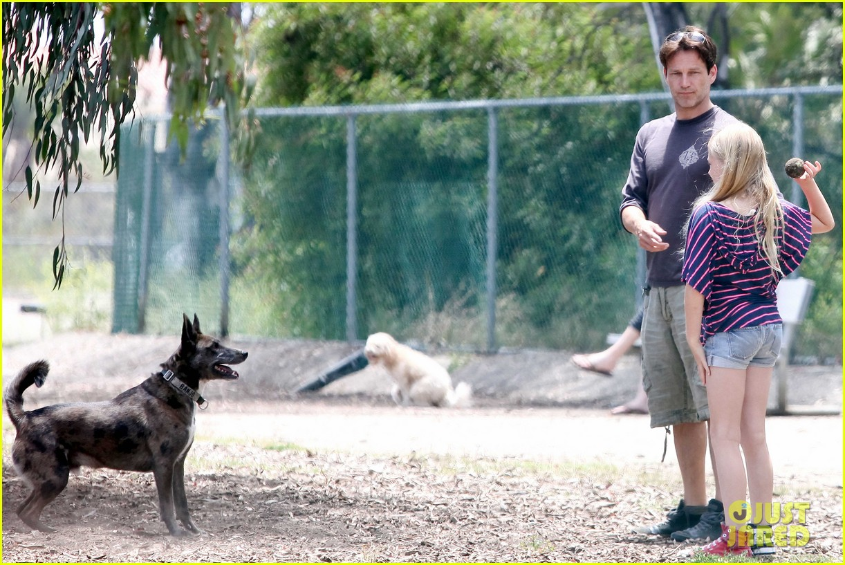 stephen moyer walking dogs with lilac 112669936