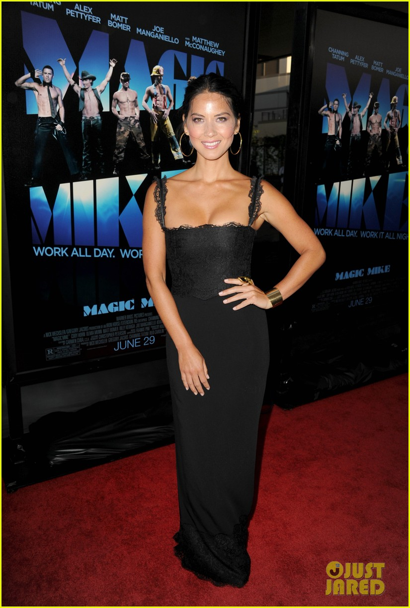 olivia munn sophia bush magic mike premiere 01