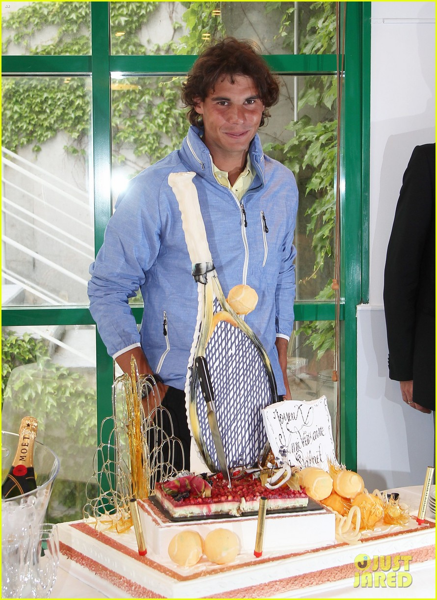 rafael nadal birthday celebration in paris 02