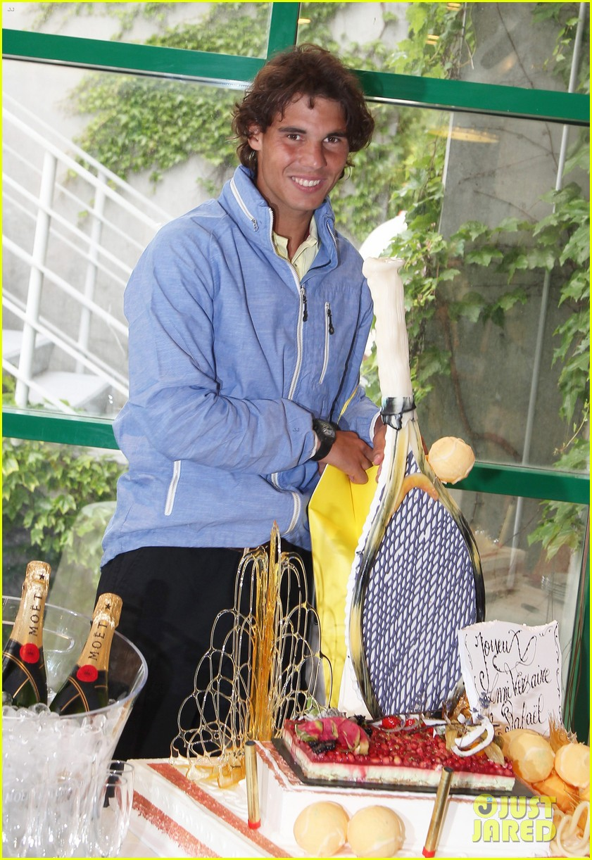 rafael nadal birthday celebration in paris 09