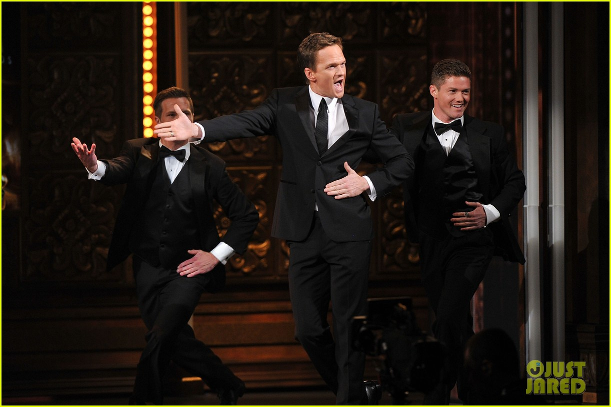 neil patrick harris tony awards 2012 host 11