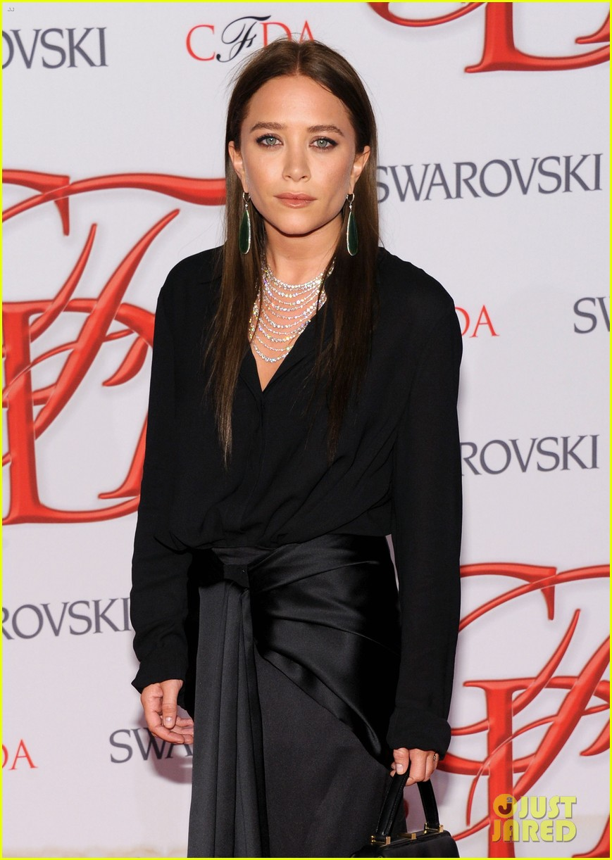 mary kate ashley olsen cfda fashion awards 2012 06