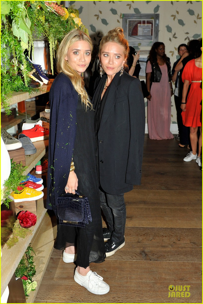ashley mary kate olsen superga launch 02