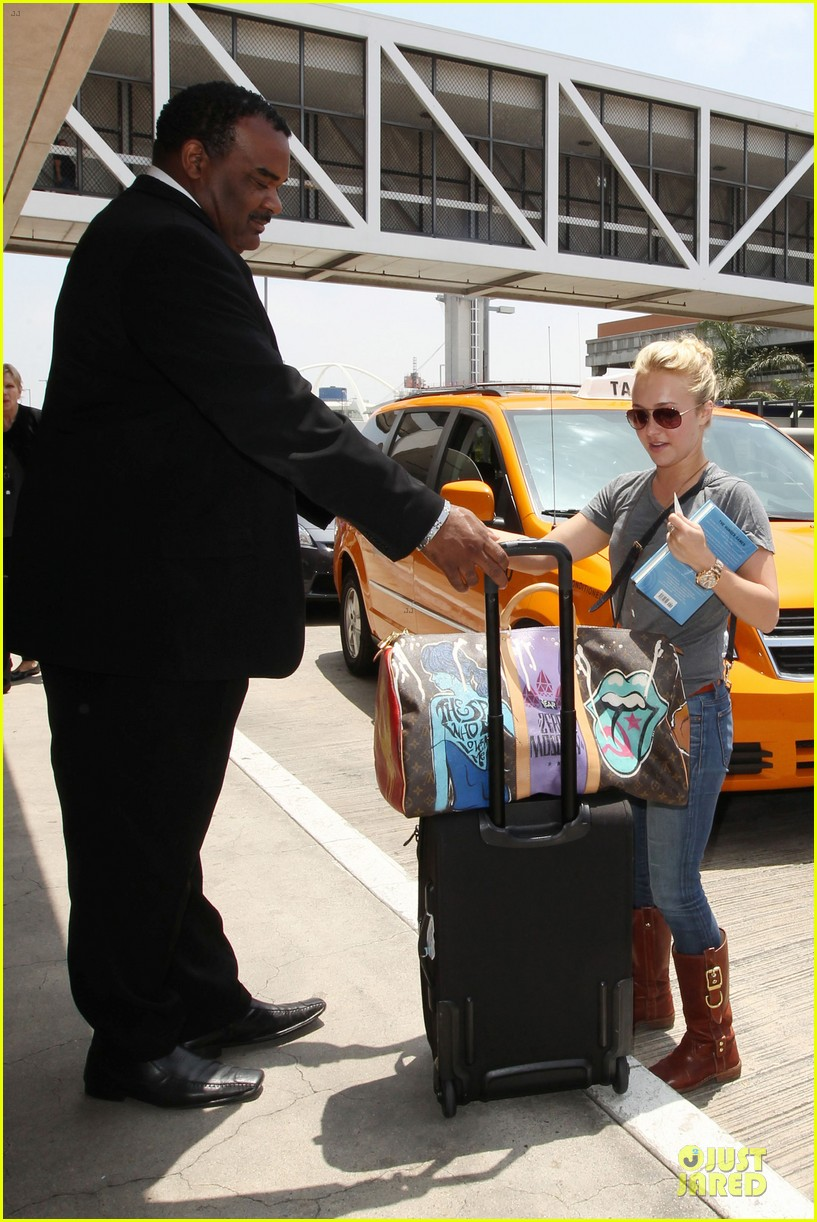 hayden panettiere peace out lax 042678213