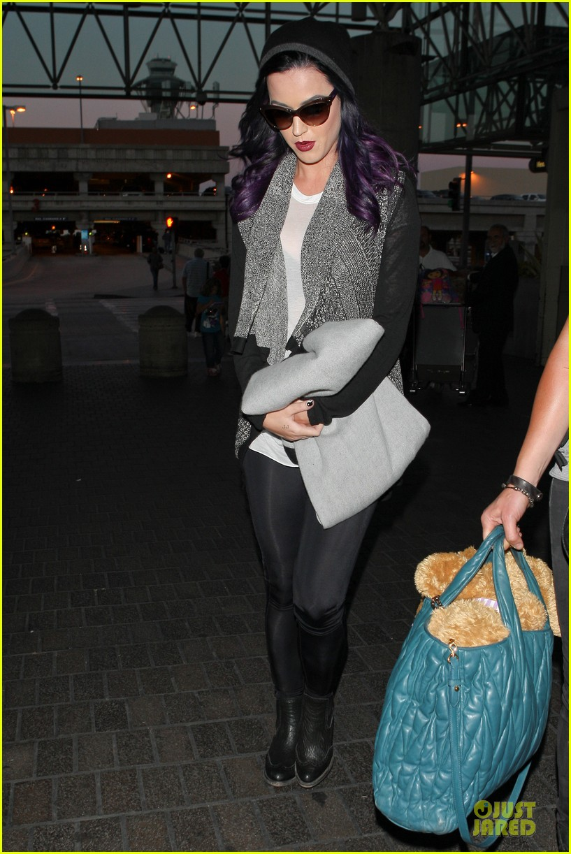 katy perry lax departure 06