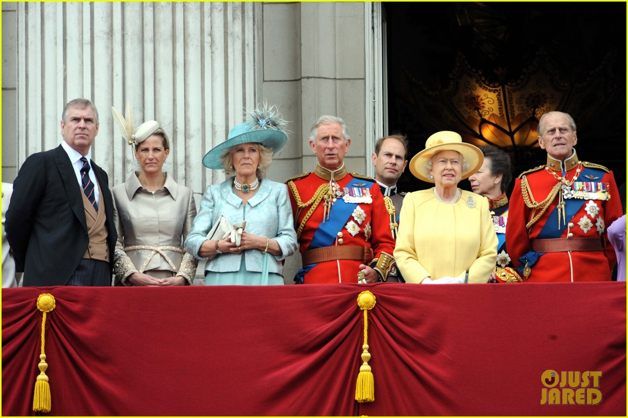will and kate trooping the colours 21