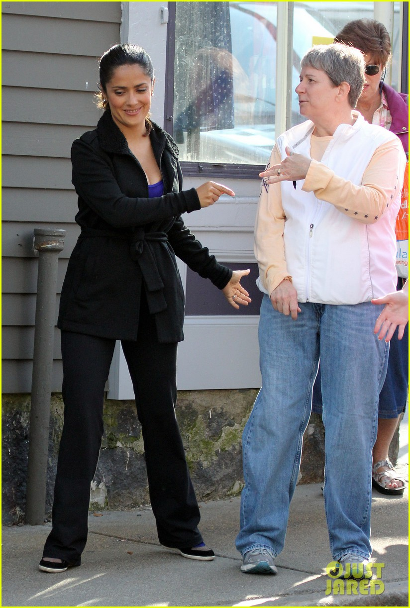 salma hayek grownups set with valentina 06