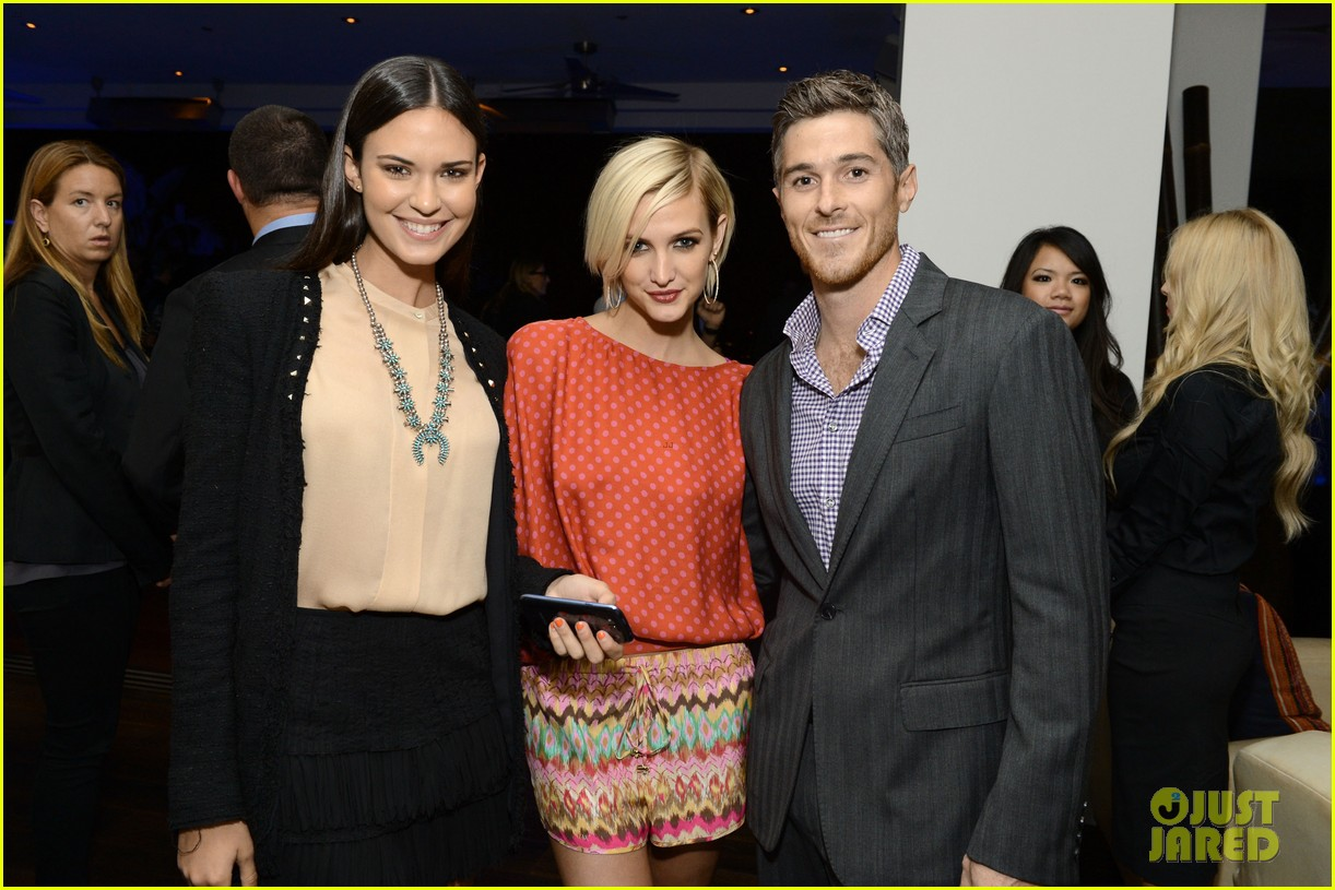ashlee simpson anna faris samsung galaxy s iii launch 14