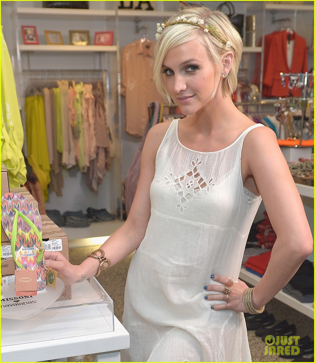 ashlee simpson missoni havaianas launch 05