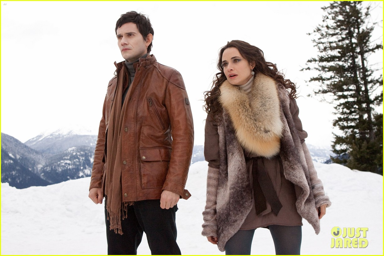 kristen stewart robert pattinson new breaking dawn stills 03