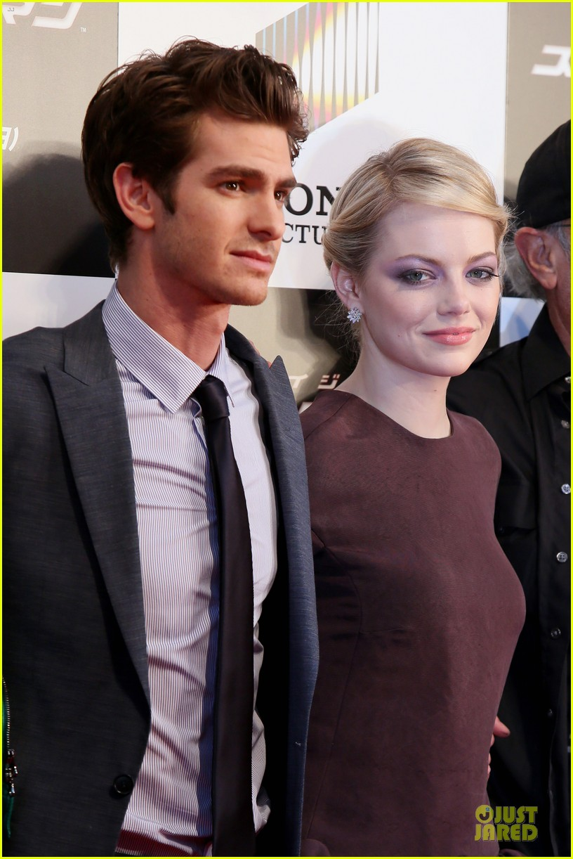 emma stone andrew garfield amazing spider man world premiere 09