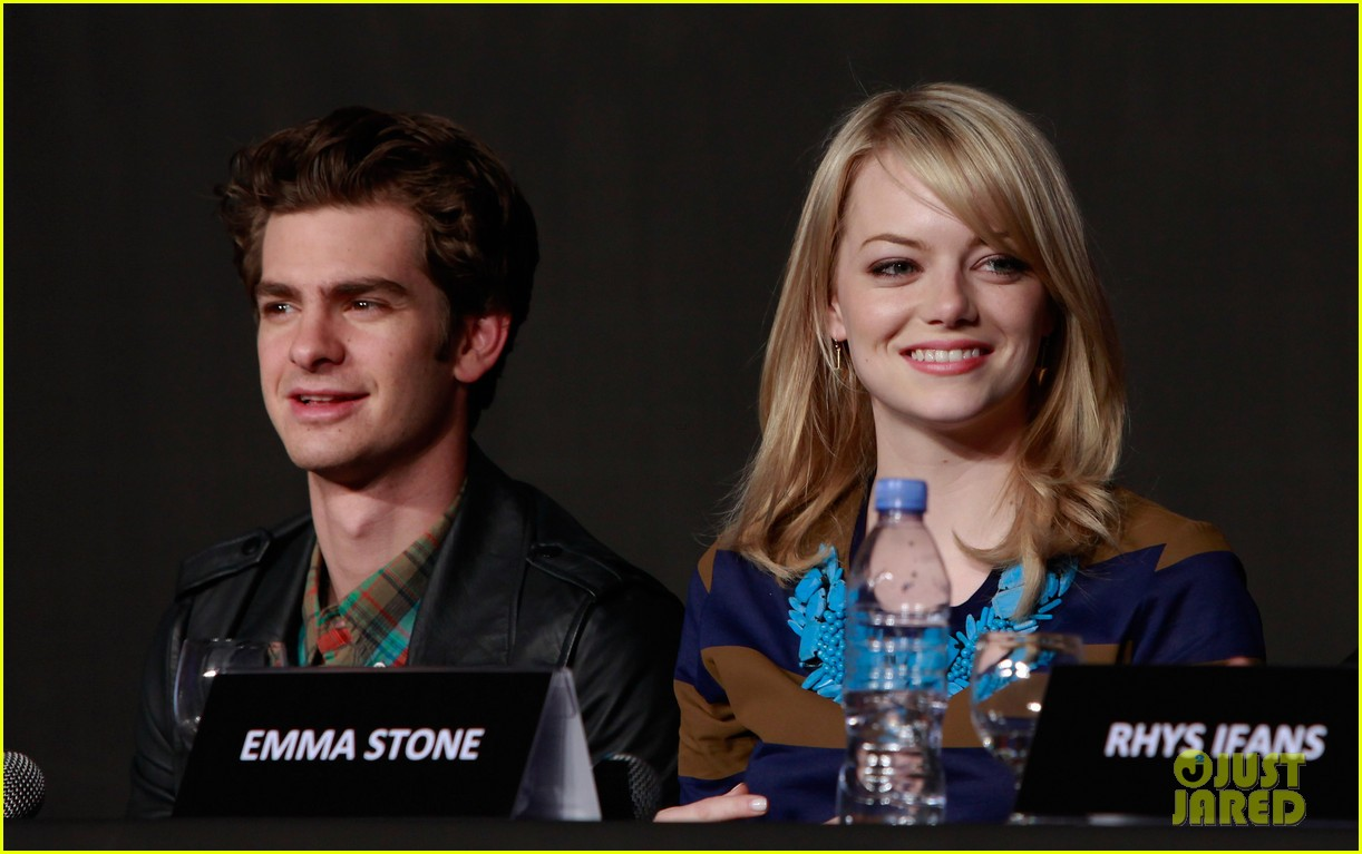 emma stone andrew garfield south korea press conference 012674918