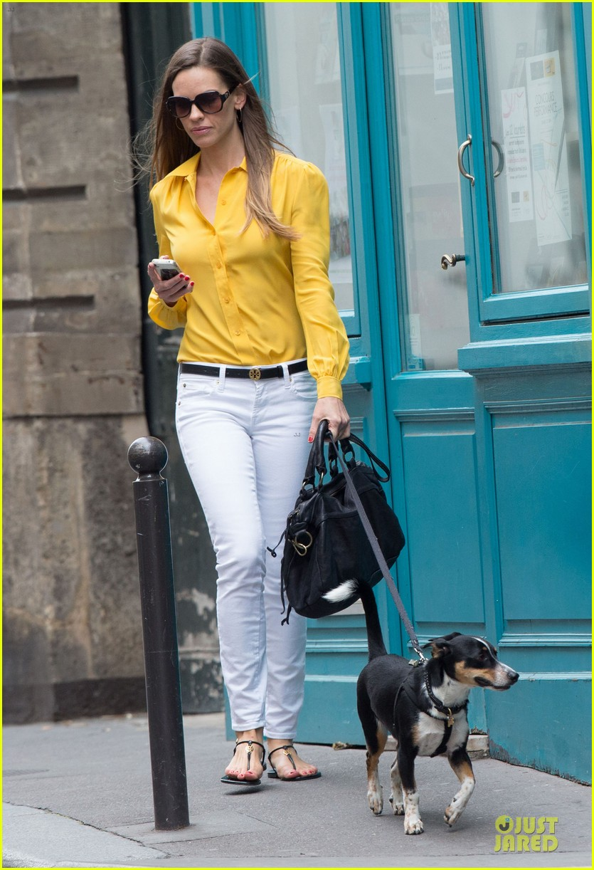hilary swank mellow yellow paris 03