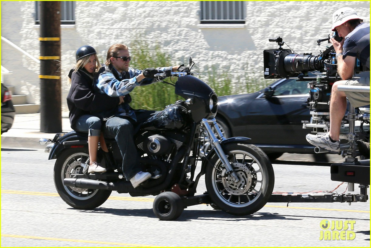 ashley tisdale charlie hunnam sons of anarchy 12