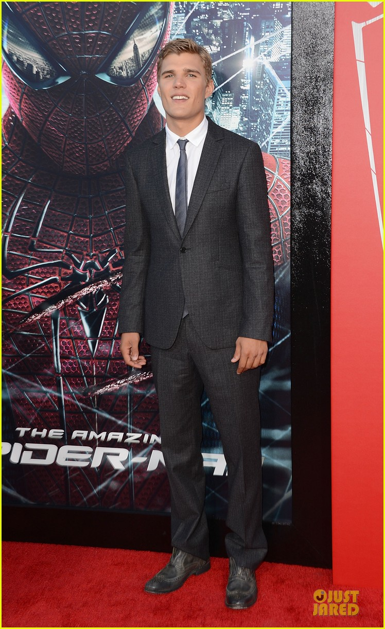 chris zylka spider man premiere 02