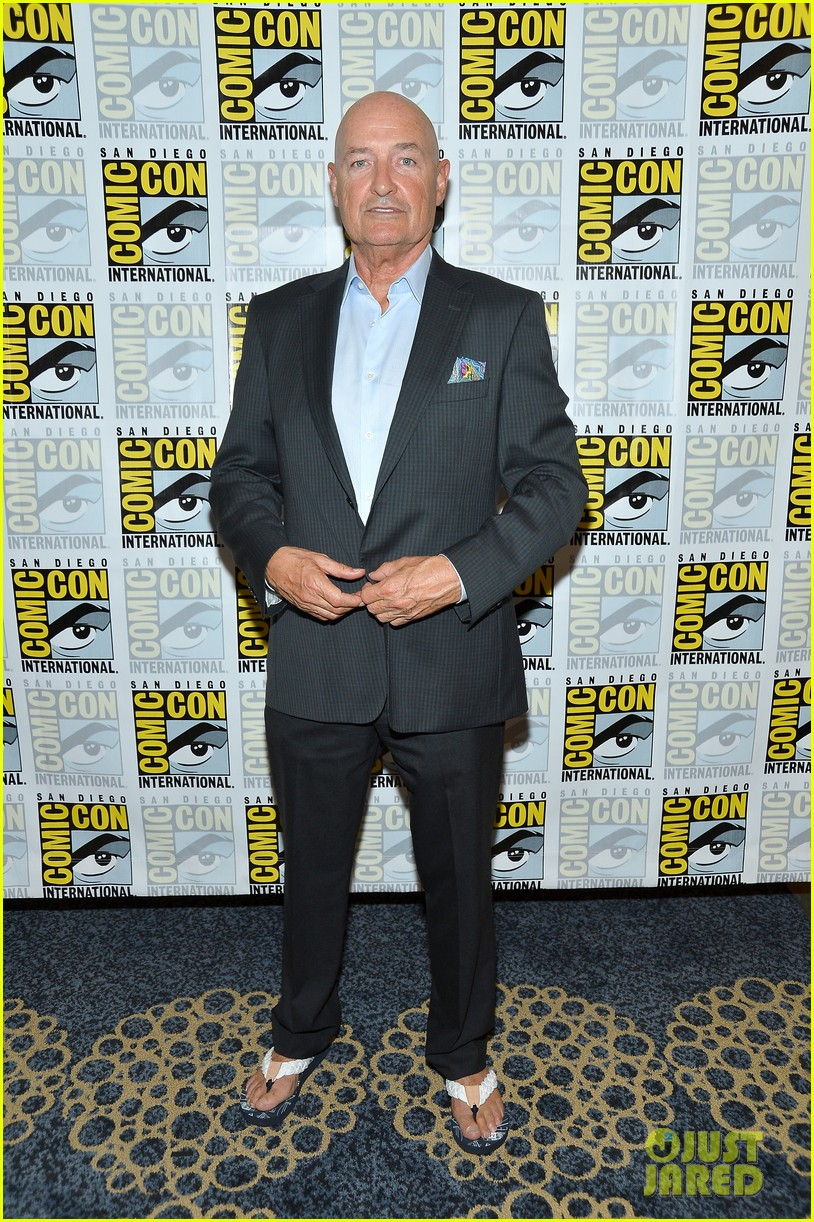 dave annable rachael taylor 666 park avenue at comic con 142687529