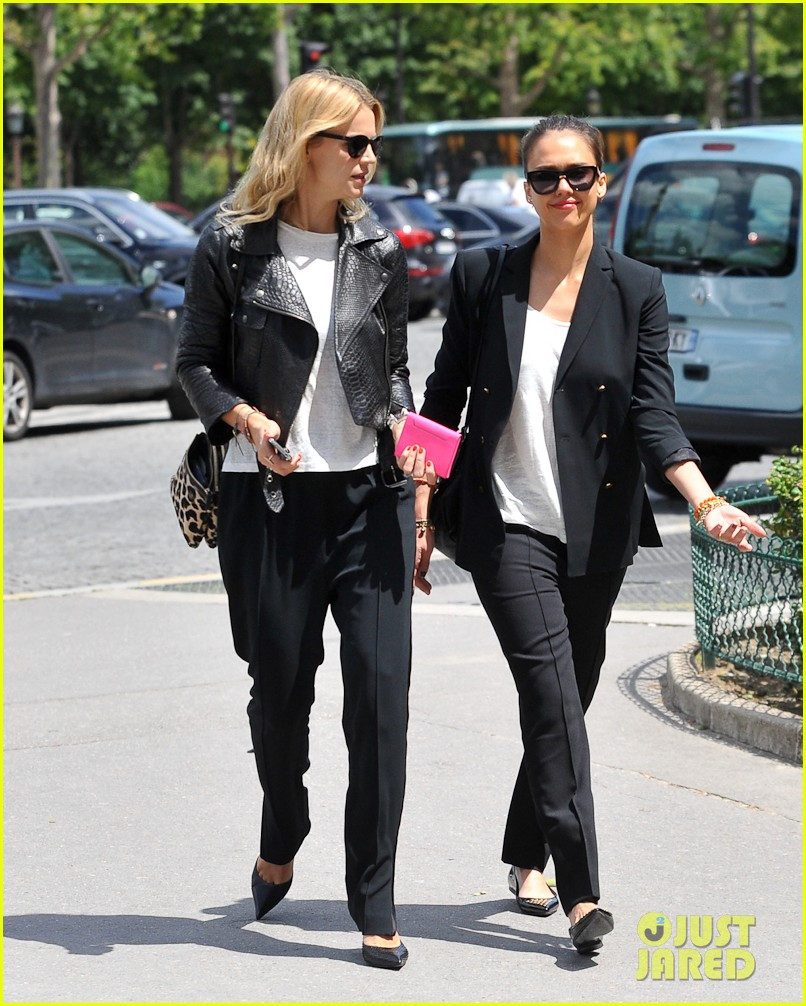 jessica alba paris shopping 01