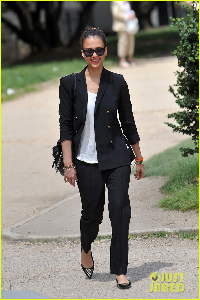 jessica alba paris shopping 042682213