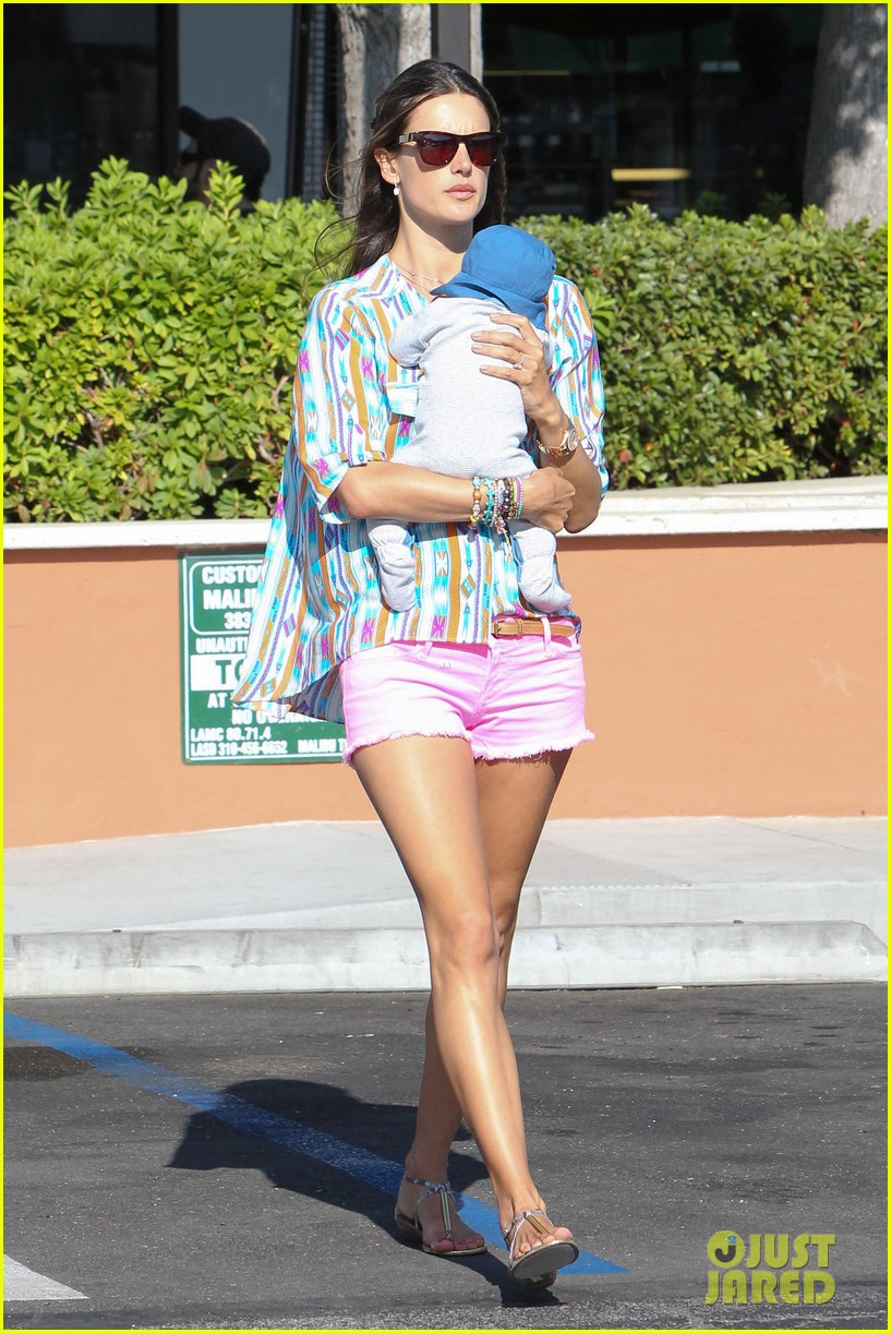 alessandra ambrosio family fun 01