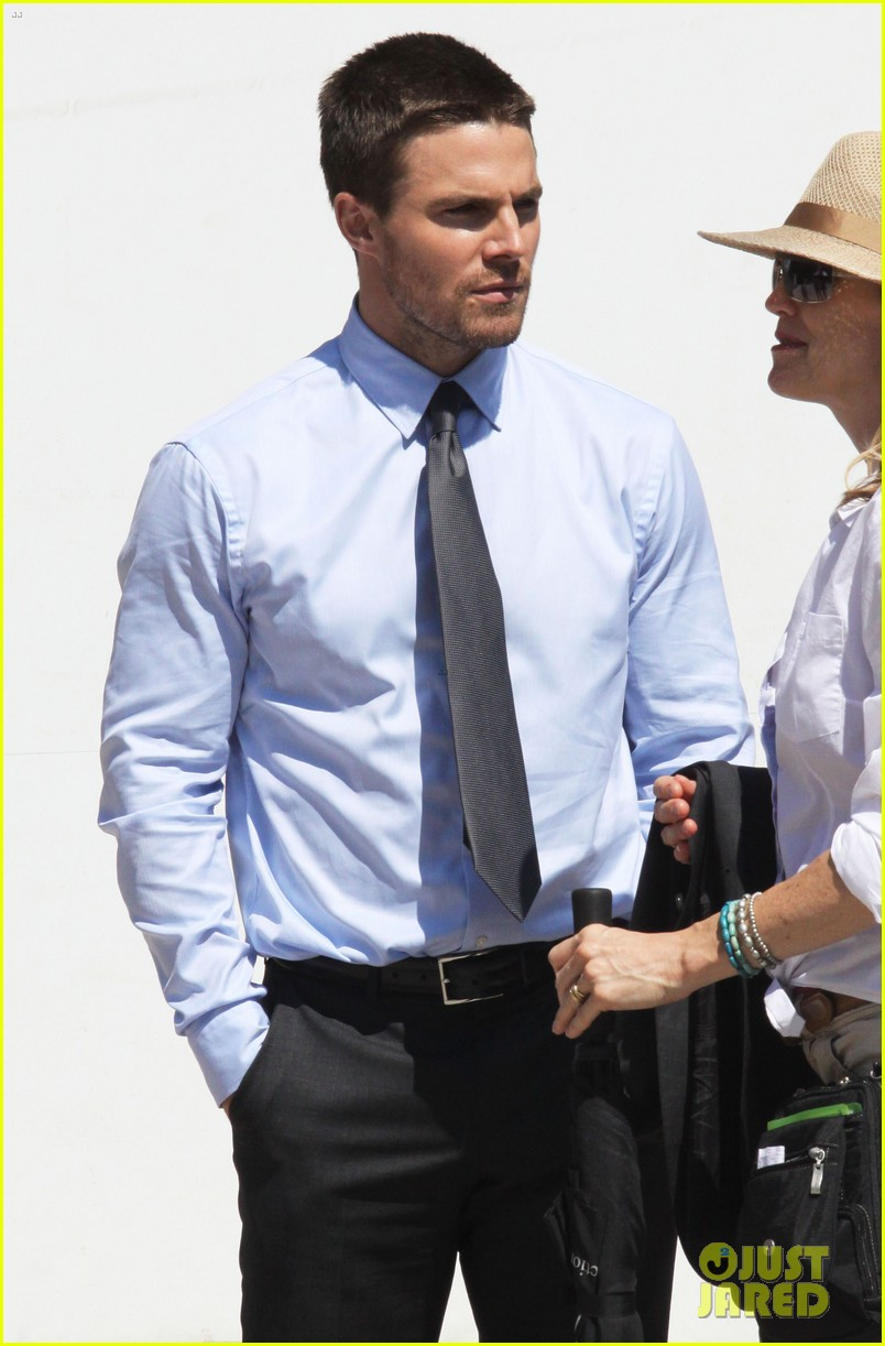 stephen amell suits up on arrow set 03