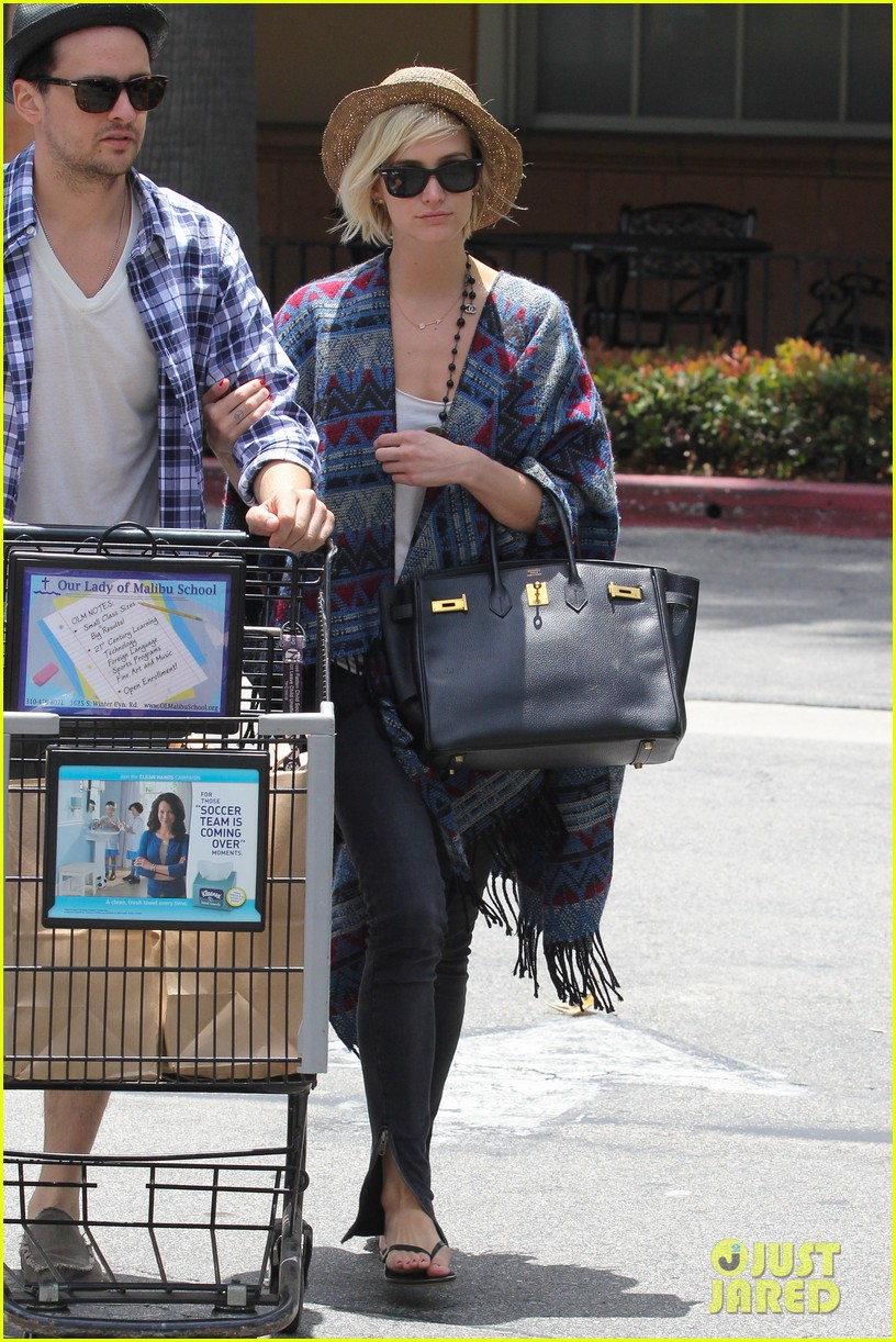 ashlee simpson shopping vincent piazza 05