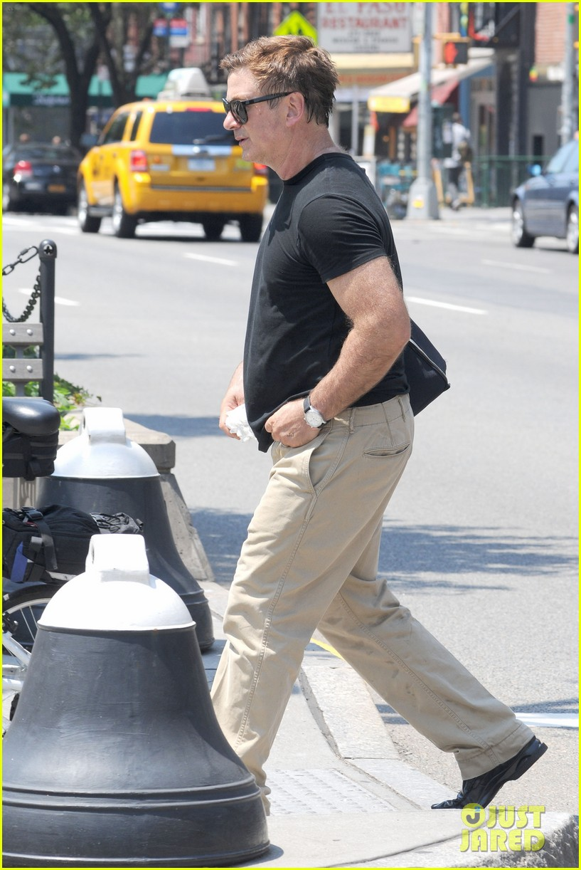alec baldwin morning after wedding with ireland hilaria 08