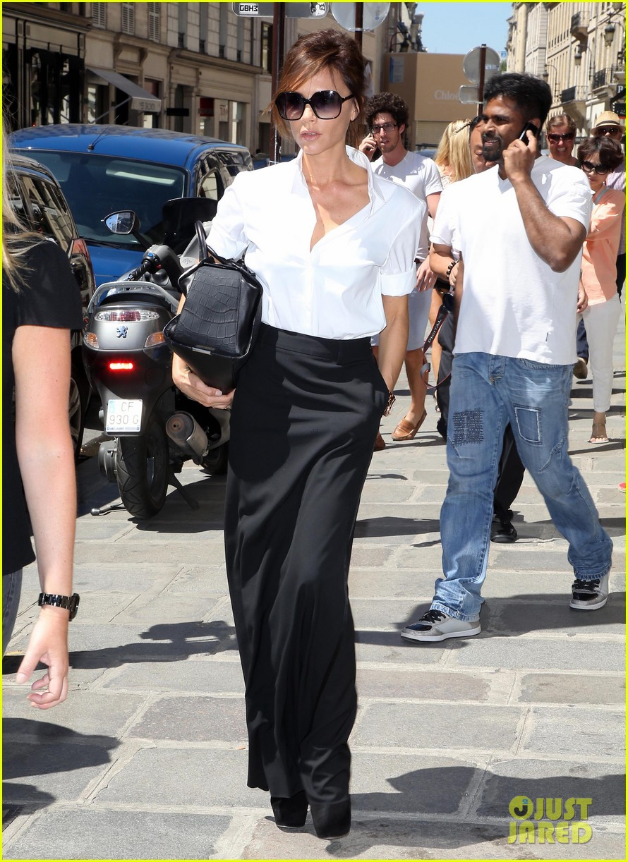 victoria beckham parisian shopping spree with cruz 15