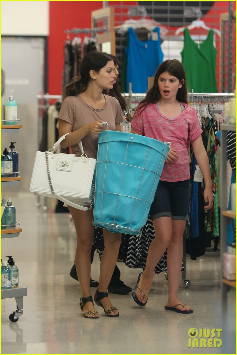 rachel bilson sister shopping 16