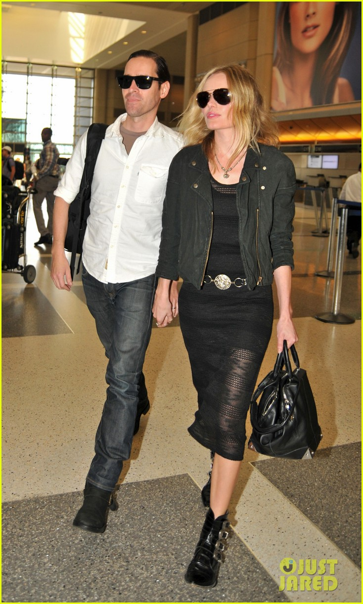 kate bosworth michael polish hold hands lax 01