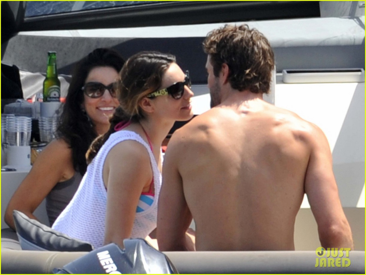 kelly brook thom evans ischia boat ride 16