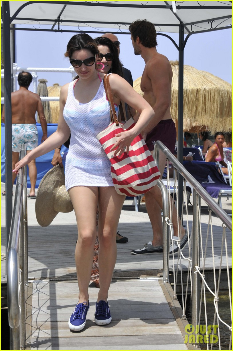kelly brook thom evans ischia boat ride 19