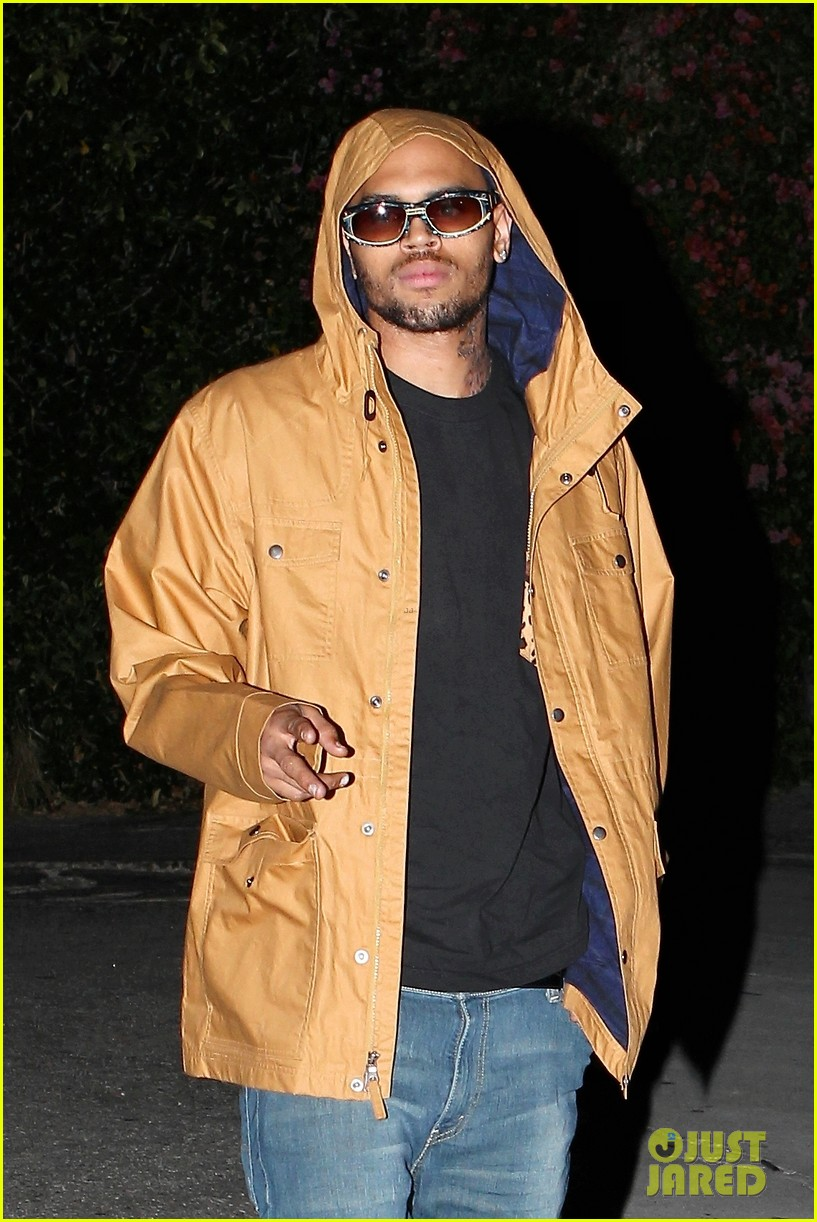 rihannas dad chris brown has matured a lot 16