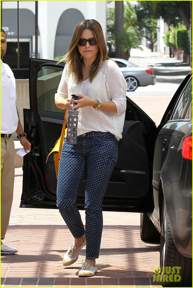 sophia bush neiman marcus shopper 01