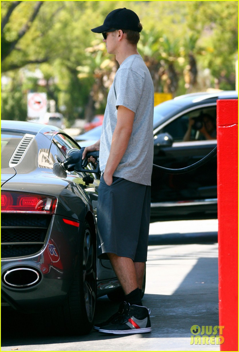 hayden christensen gas station stud 09