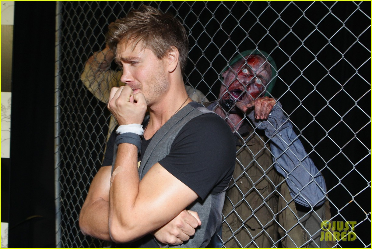 Chad Michael Murray: Comic-Con Party with Kenzie Dalton Chad-michael-murray-comic-con-party-with-kenzie-dalton-15