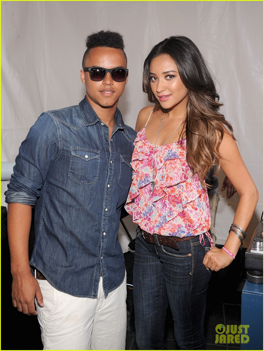 connor cruise live your life launch with shay mitchell 02