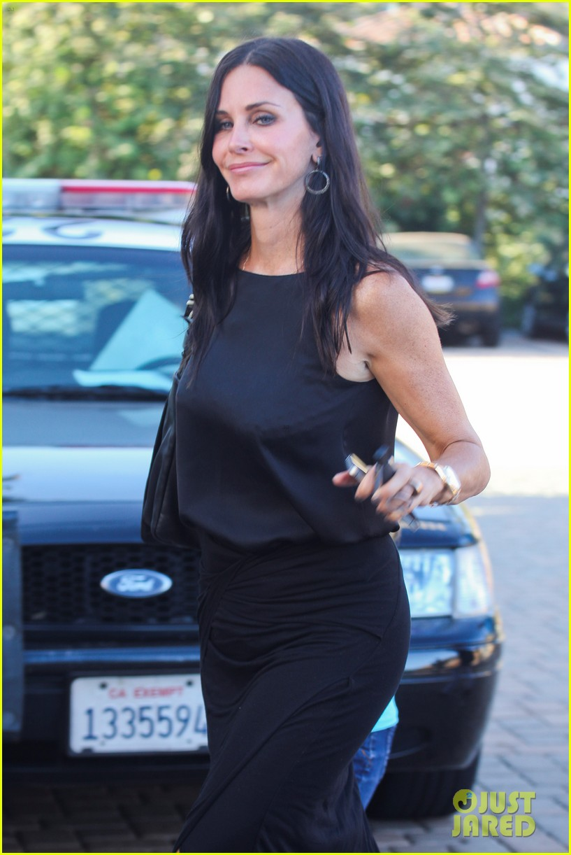 courteney cox coco habana cafe 03