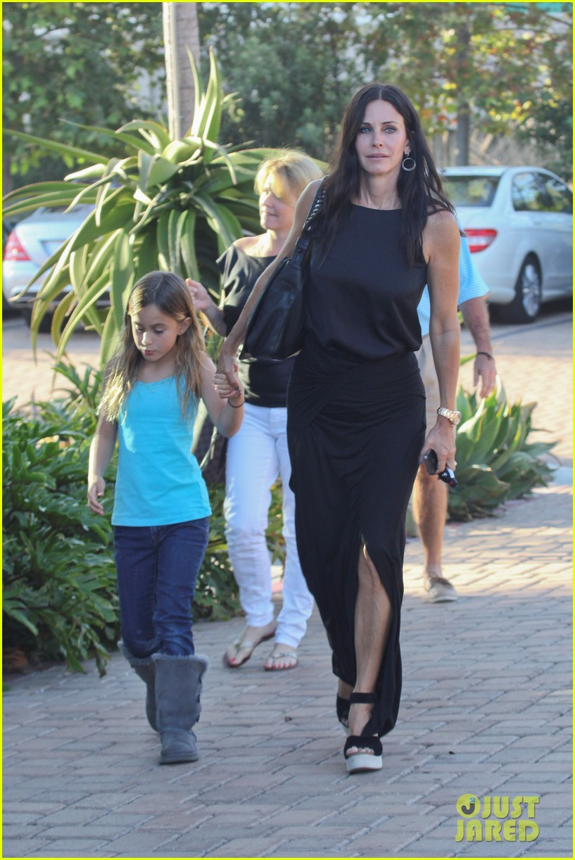 courteney cox coco habana cafe 06