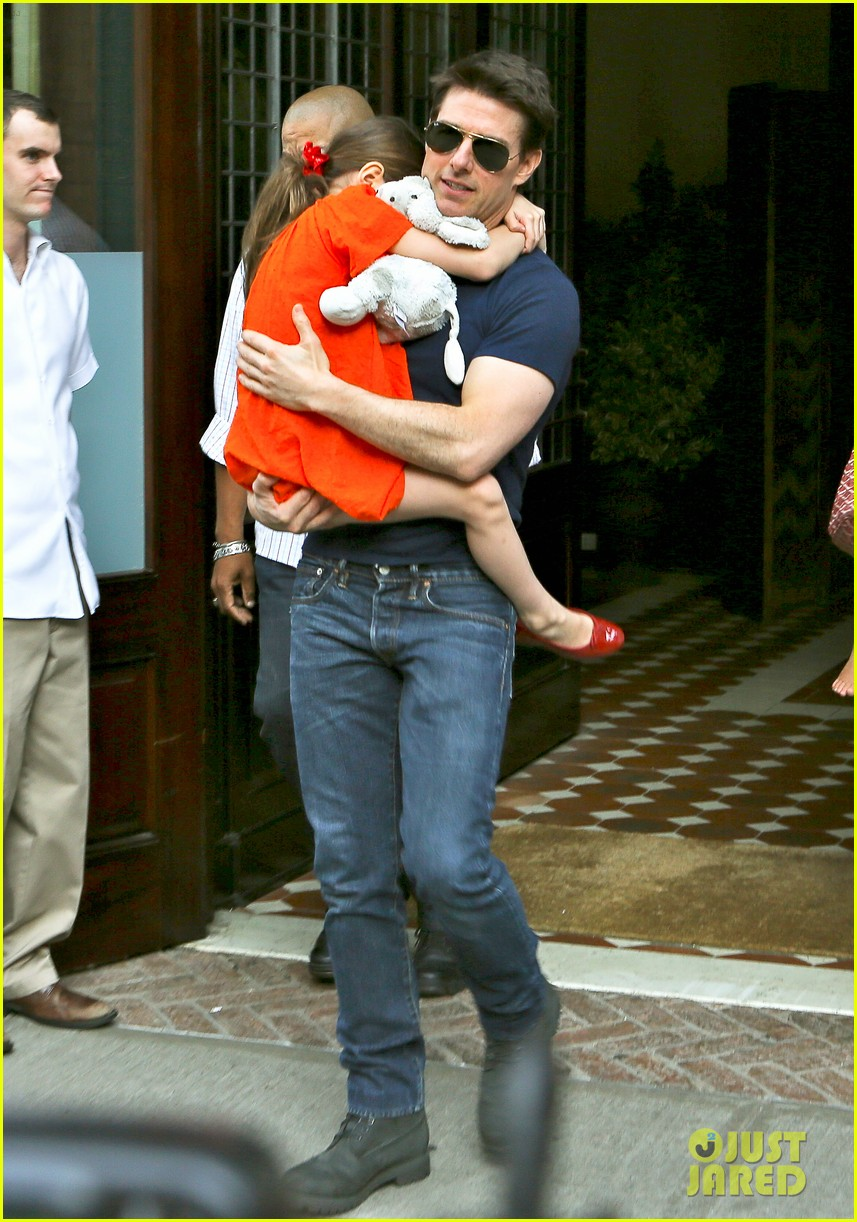 tom cruise suri daddy daughter day 03