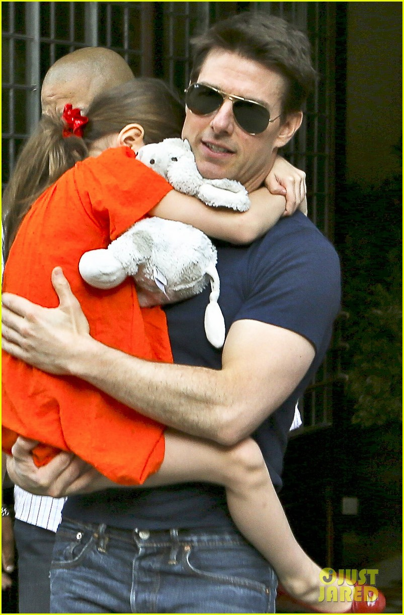 tom cruise suri daddy daughter day 07