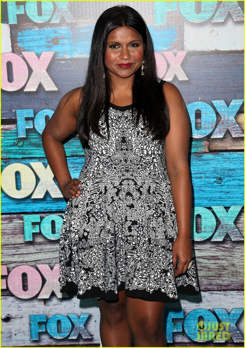 zooey deschanel mindy kaling fox all star party 12