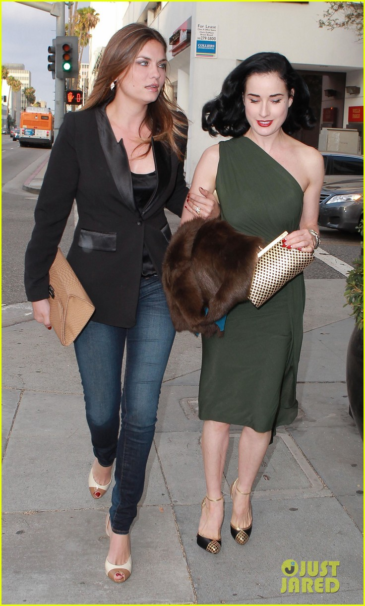 Full Sized Photo of dita von teese dinner jodi lyn okeefe ... Dita Von Teese