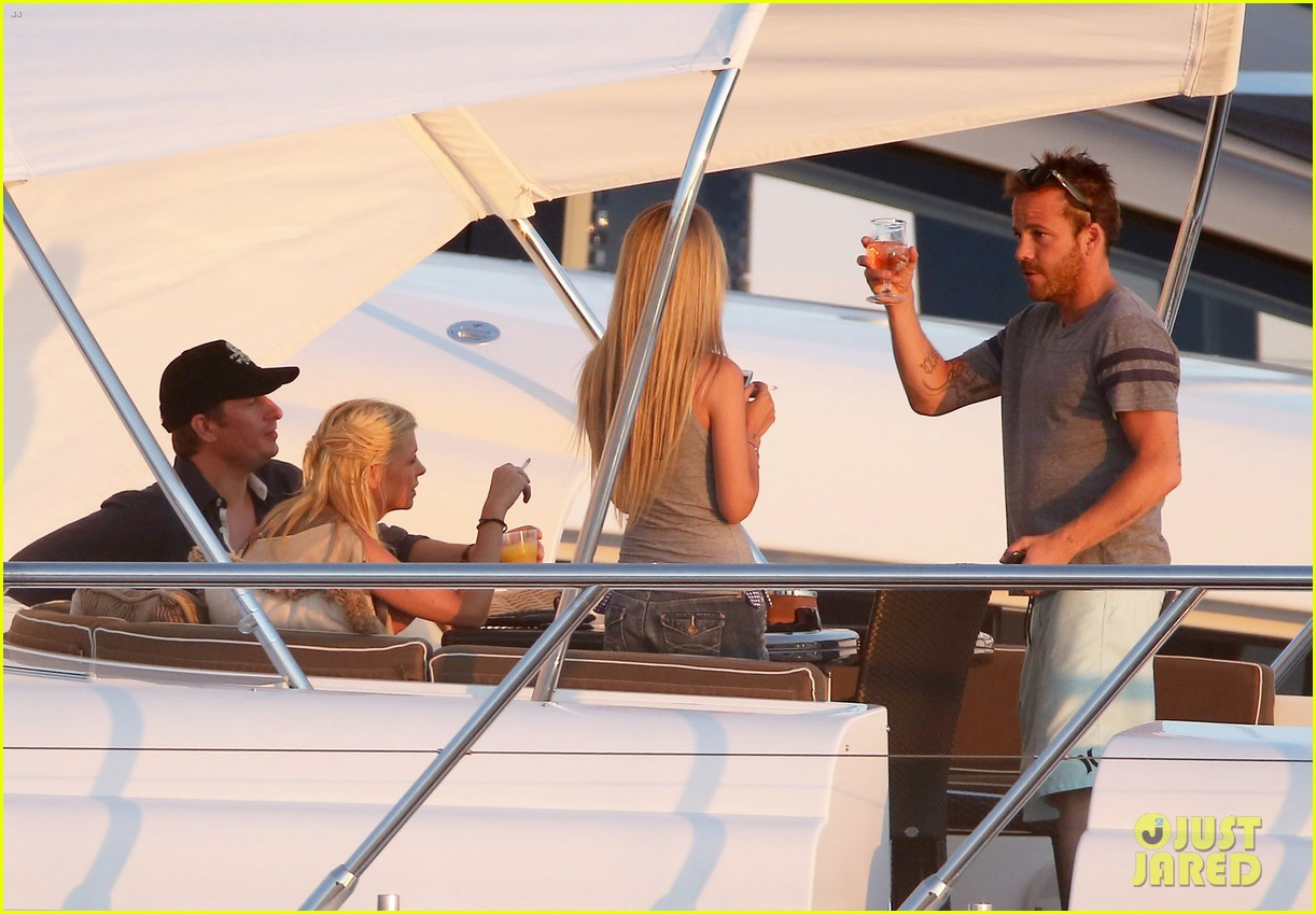 shirtless stephen dorff vacations with tara reid 232684999