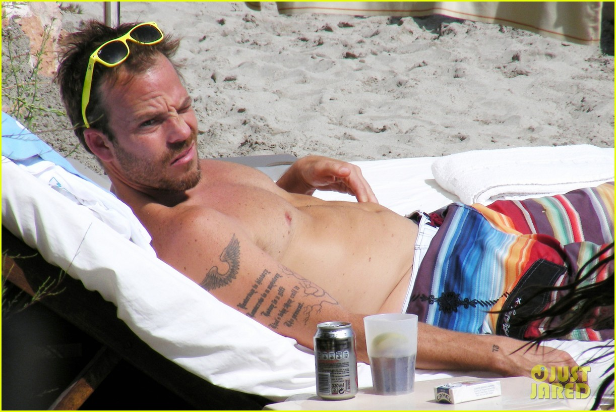stephen dorff shirtless in spain 022686610