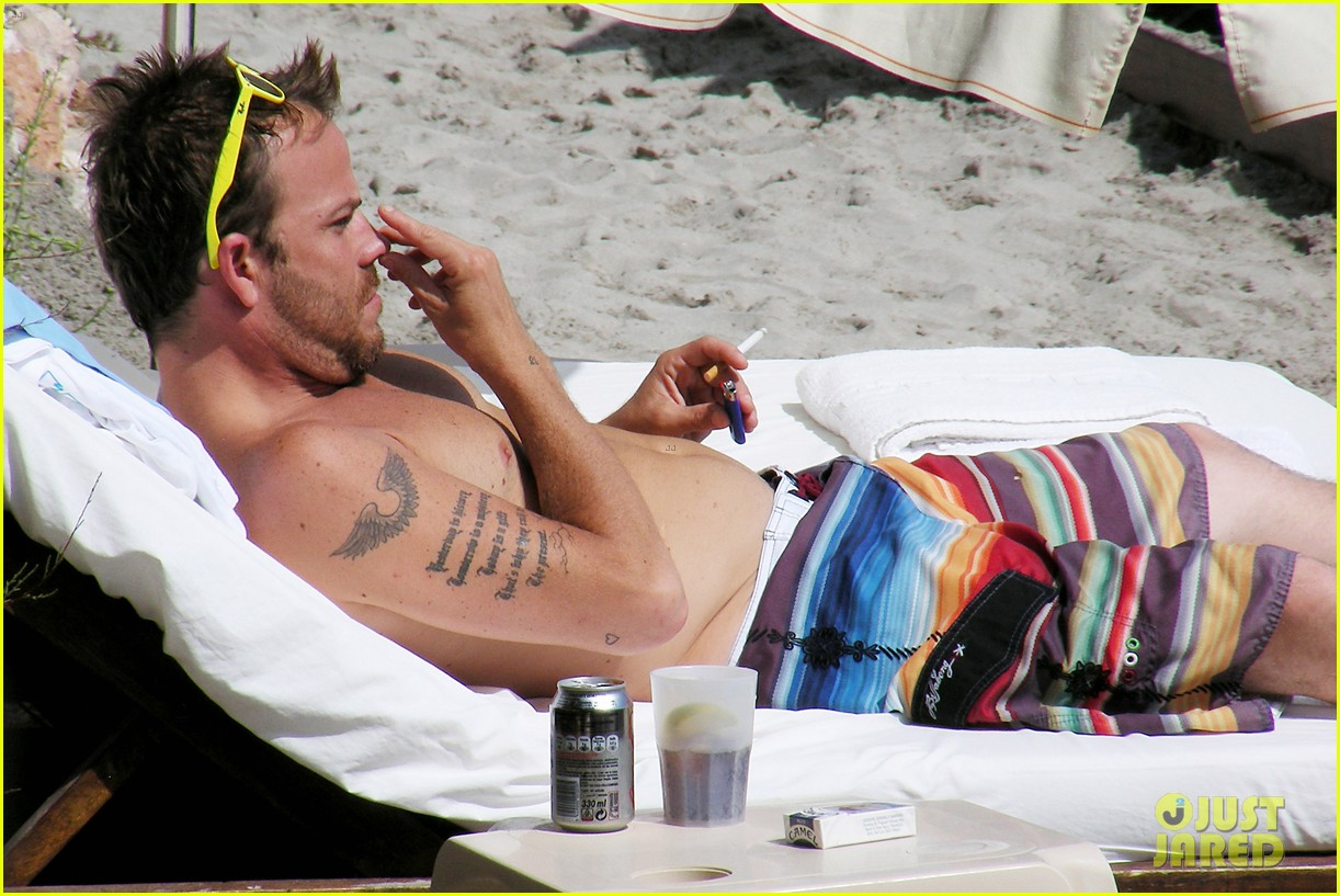 stephen dorff shirtless in spain 072686615