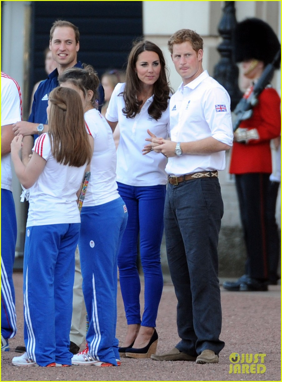 duchess kate middleton ping pong 04