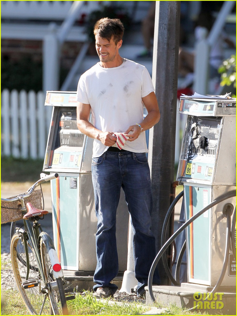 josh duhamel julianne hough safe haven set 042688760