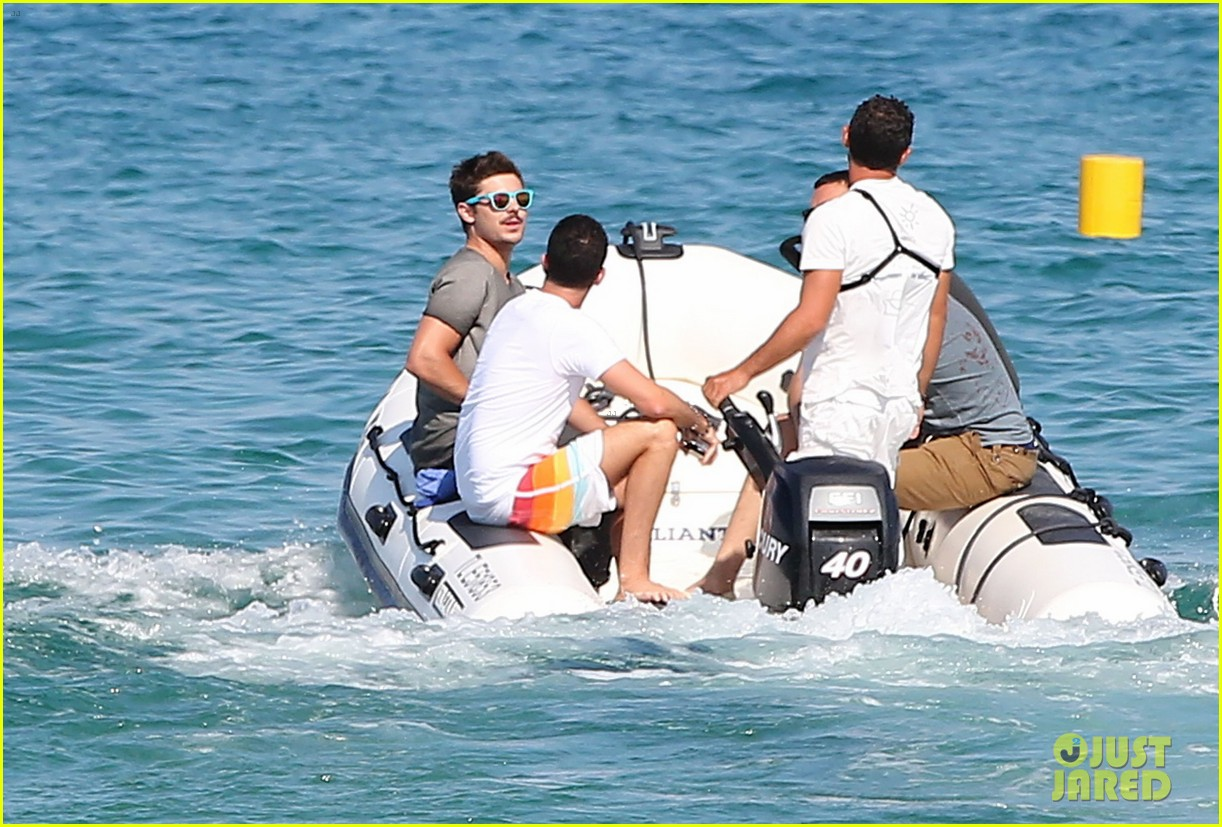 zac efron shirtless july 4 saint tropez 202683194