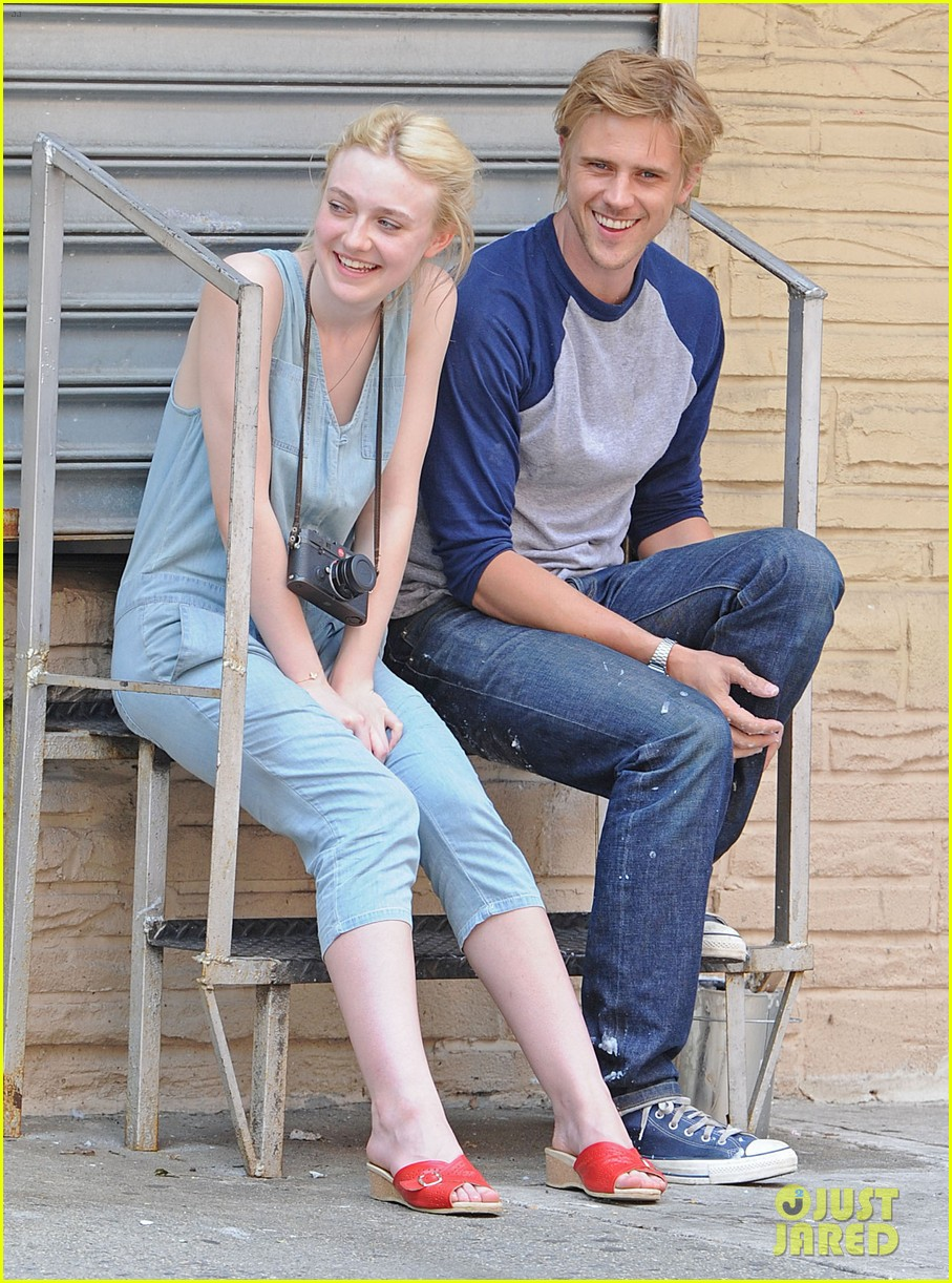 dakota fanning very good girls boyd holbrook 012683242